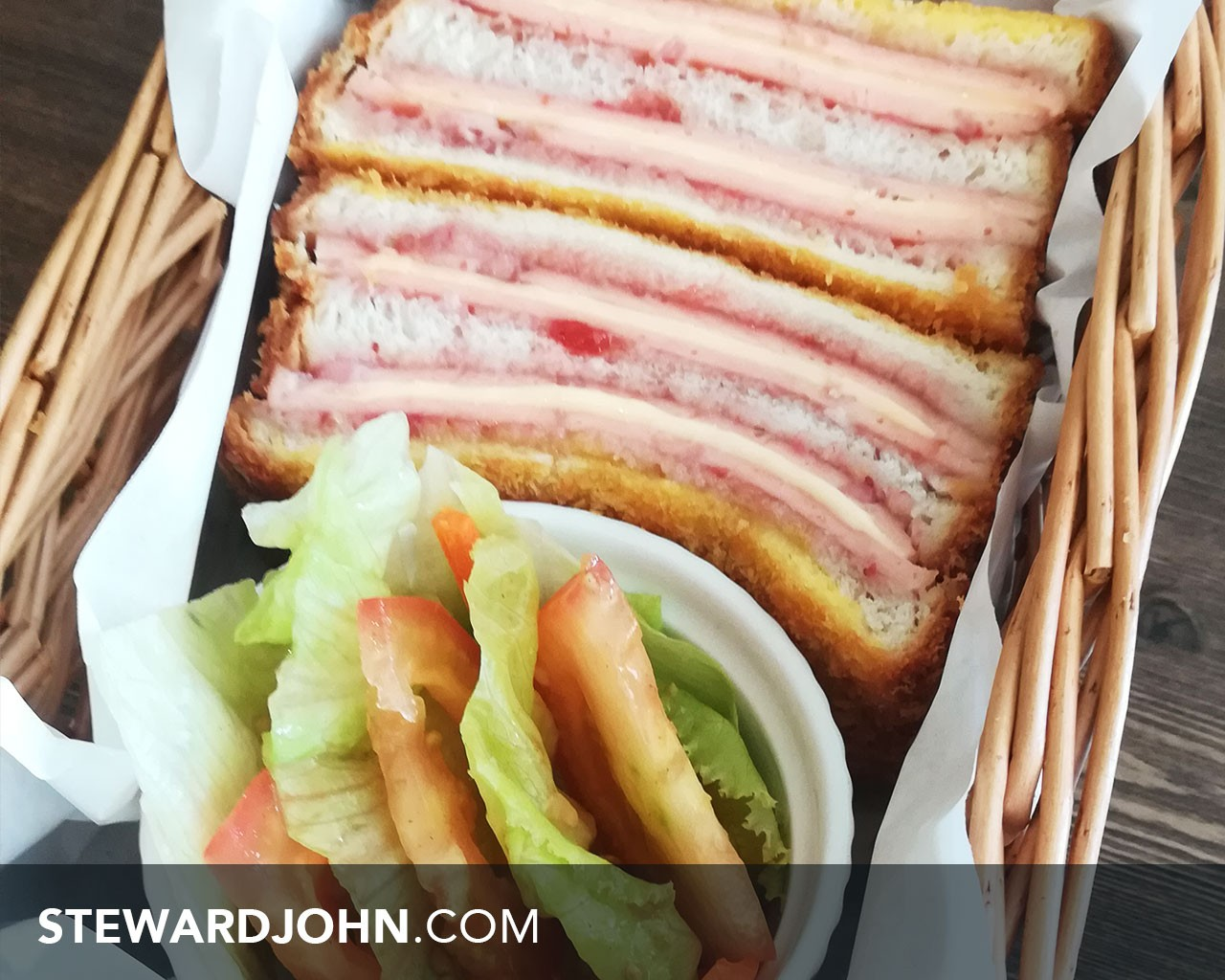 Joox Cafe Monte cristo sandwich